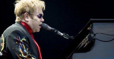 Elton John wystąpi w Fornebu
