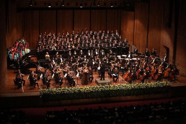 100 lat filharmonii w Oslo - Carmina Burana w Oslo Spectrum
