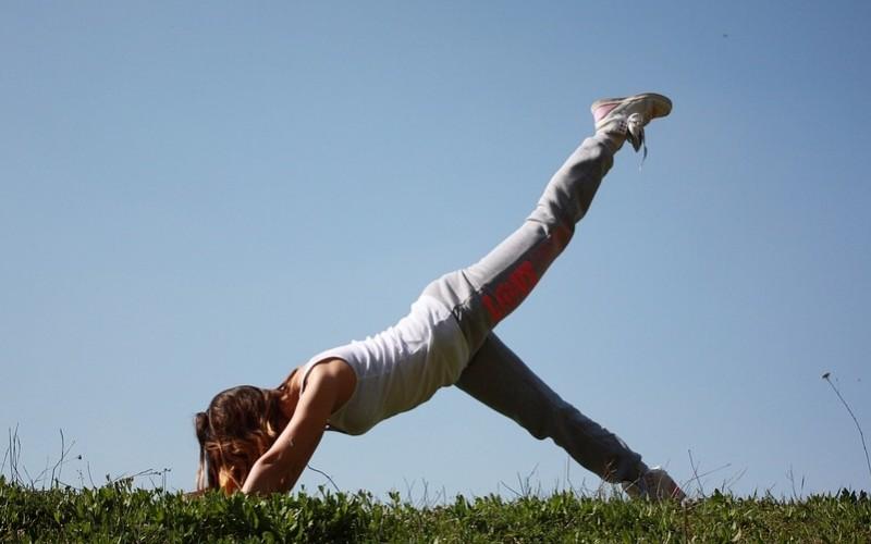 przyłącz się do zajęć jogi Kelly Ripa Randki Historia