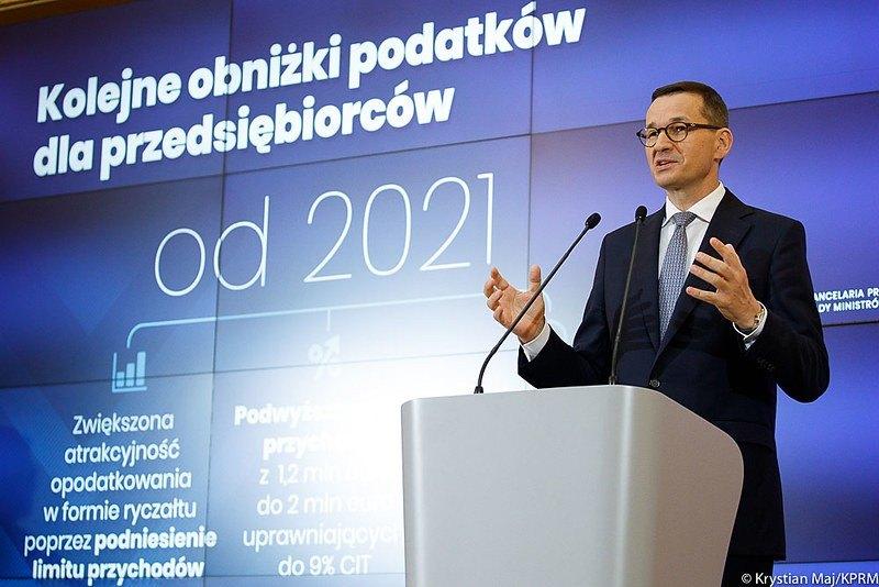 Zmiany proponowane w Polskim Ładzie sprawią, że w kieszeniach pracowników zostanie więcej środków. Część ekonomistów zwraca uwagę, że dodatkowo napędzi to szalejącą inflację.