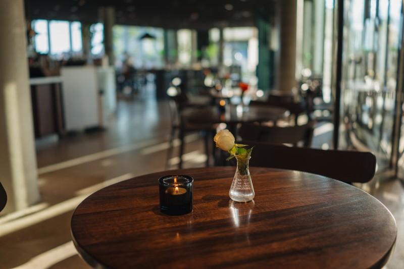 Restauracje w Oslo mogą pozostać otwarte, ale bez podawania alkoholu.