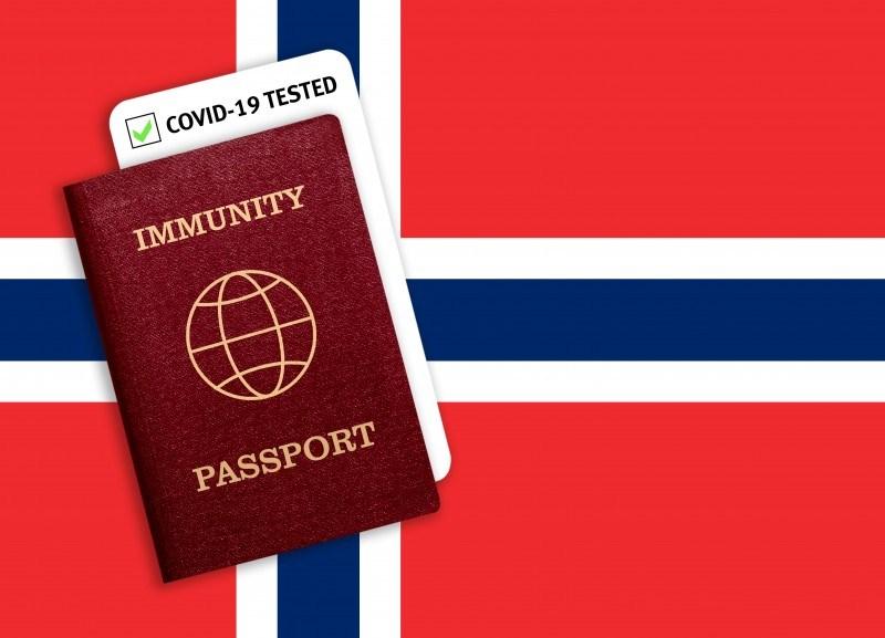Od dłuższego czasu w Norwegii pojawiały się spekulacje na temat wprowadzenia przez rząd tzw. paszportu covidowego. /zdjęcie ilustracyjne