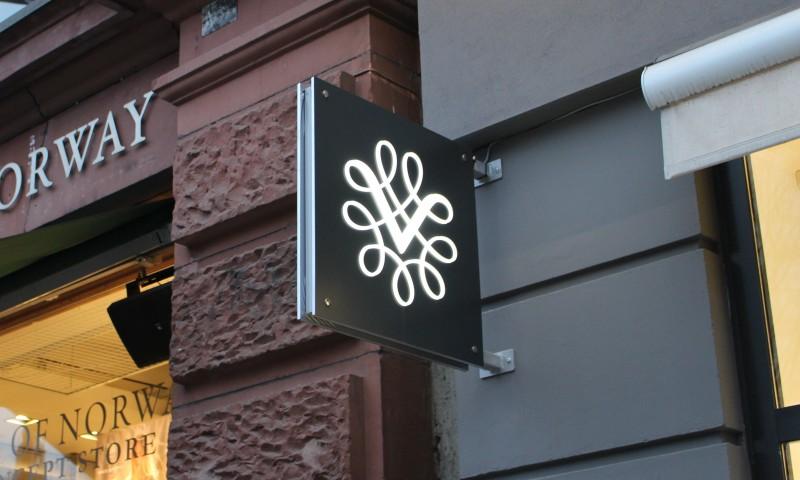 Logo Vinmonopolet.