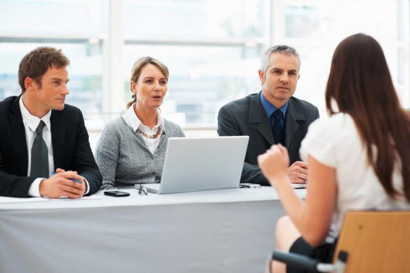 Sporządzenie dobrego CV może znacznie zwiększyć szansę na zaproszenie na rozmowę kwalifikacyjną.