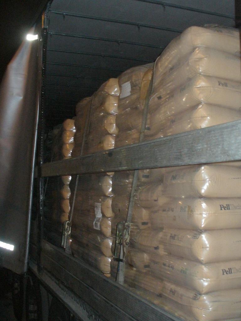 Do Polski miało trafić 48 ton lignosulfonianu wapnia załadowanego do 70 ciężarówek.