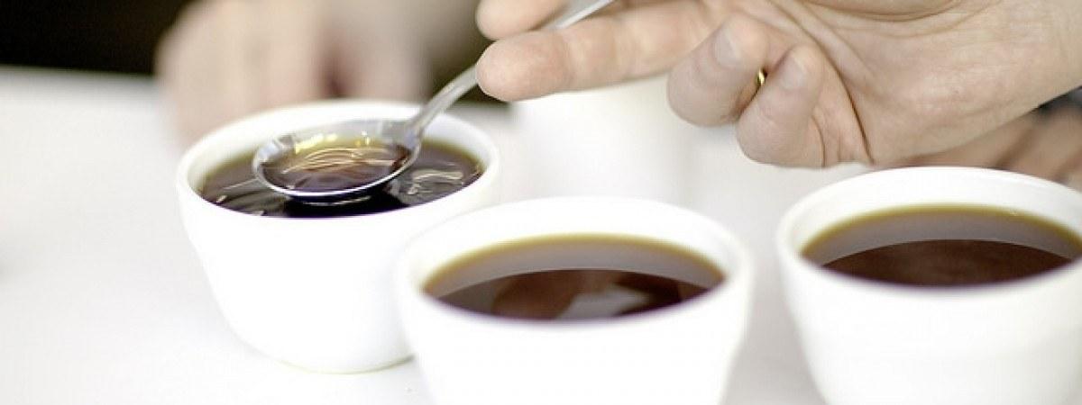 Kawa z surowym jajkiem? Internauci obrzydzeni przepisem na norweski poranek
