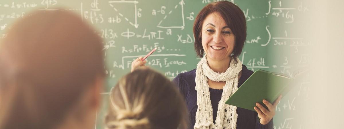 Nauczyciele walczą o podwyżki i grożą strajkiem. Egzaminy szkolne pod znakiem zapytania