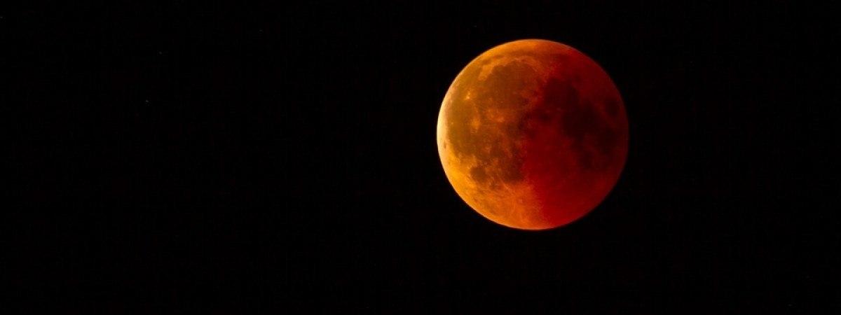 Jutro całkowite zaćmienie Księżyca. Zjawisko będzie widoczne w całej Norwegii