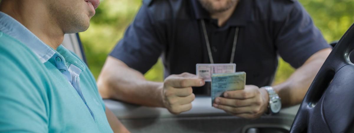 Cyfrowe prawo jazdy i prace społeczne za nieopłacone mandaty: od dziś ważne zmiany dla kierowców