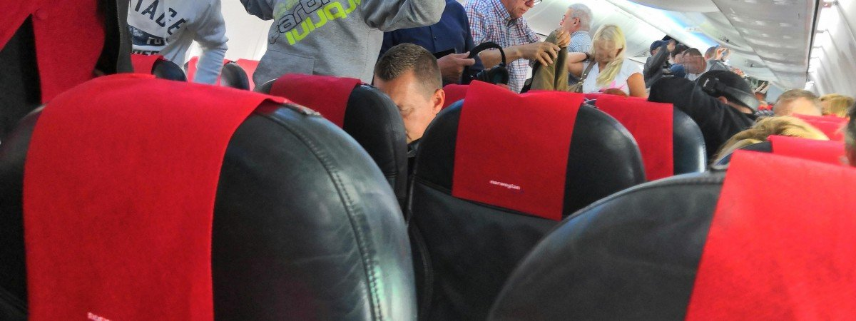 Czworo Polaków aresztowanych po awanturze w samolocie. Byli pijani i grozili załodze