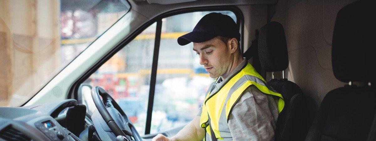 Stołeczny transport pod lupą Inspekcji Pracy. Dostawcy zatrudniają na czarno i oszukują na podatkach