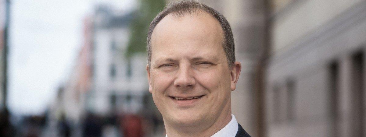 Zmiany w norweskim rządzie. Minister Transportu rezygnuje z posady dla żony