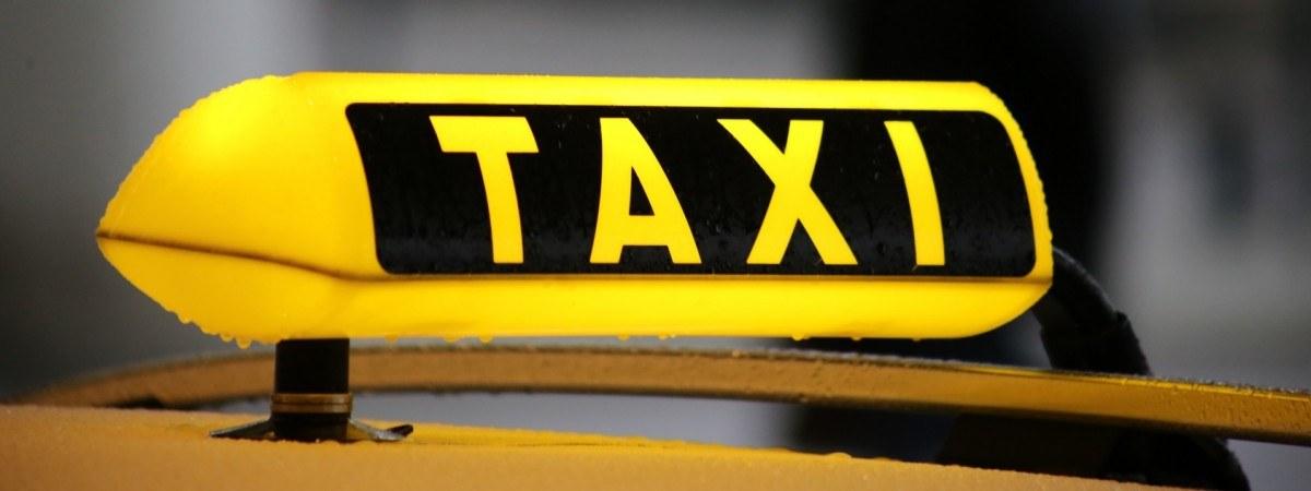 Pijani Norwegowie zniszczyli taksówki w Gdańsku. Mieli ponad dwa promile