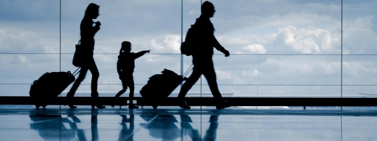 """""""Dzieci na emigracji dorastają szybciej"""" – mówi Stella Strzemecka, która bada wpływ migracji na dorastanie"""