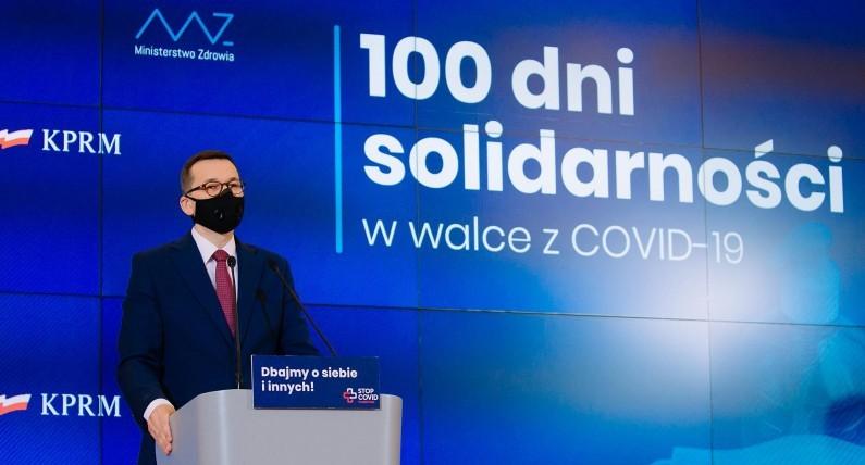 Świąteczne obostrzenia w Polsce: rząd planuje wprowadzić limit osób przy wigilijnym stole