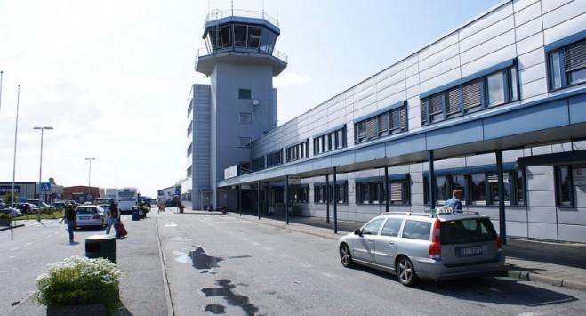 Lotnisko w Ålesund ewakuowane: znaleziono podejrzany bagaż, policja boi się wybuchu bomby