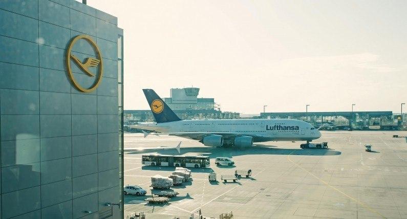 Lufthansa odwołuje na ten miesiąc ponad 7000 lotów. Również do Polski i Skandynawii