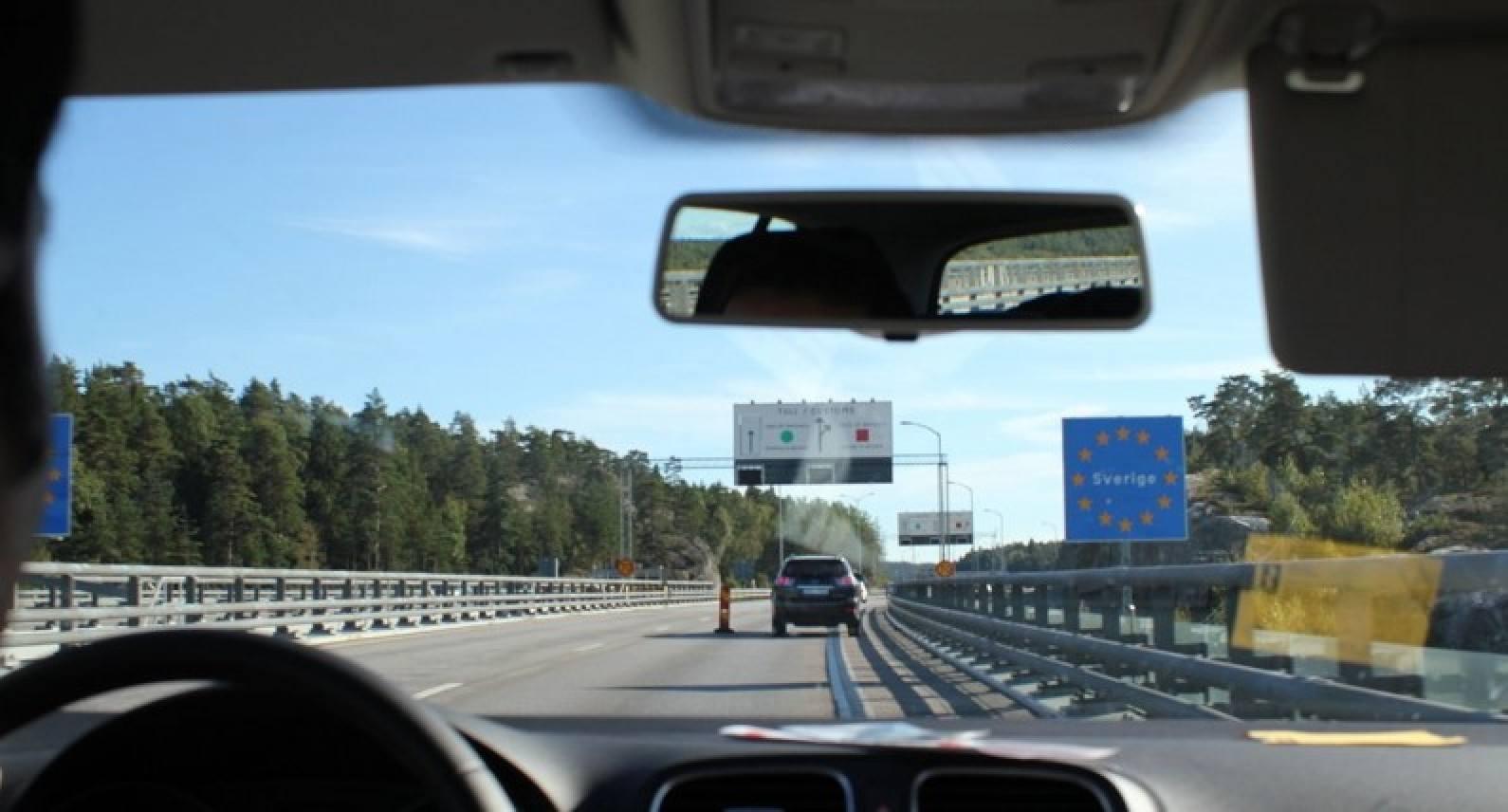 Kontrola na norweskiej granicy utrzymana: służby powiedzą, gdzie spędzisz kwarantannę