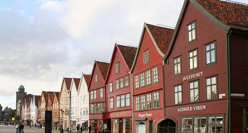 Ponad 1000 zakażeń w Bergen: władze miasta wprowadzają specjalne obostrzenia