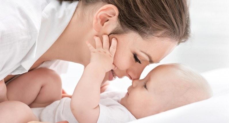 Becikowe i macierzyńskie: norweskie świadczenia dla świeżo upieczonych matek