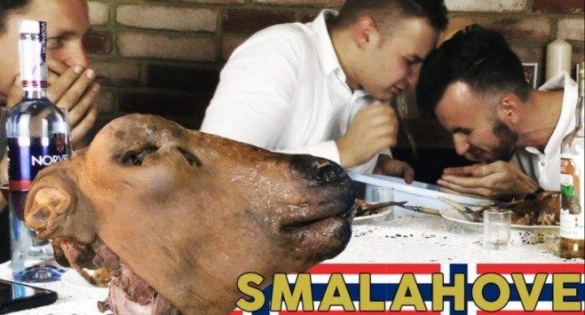Polacy jedzą owczą głowę - Smalahove