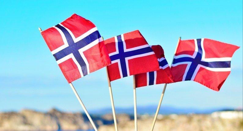 Najradośniejszy dzień w Norwegii przenosi się do sieci. Święto konstytucji bez tradycyjnych parad