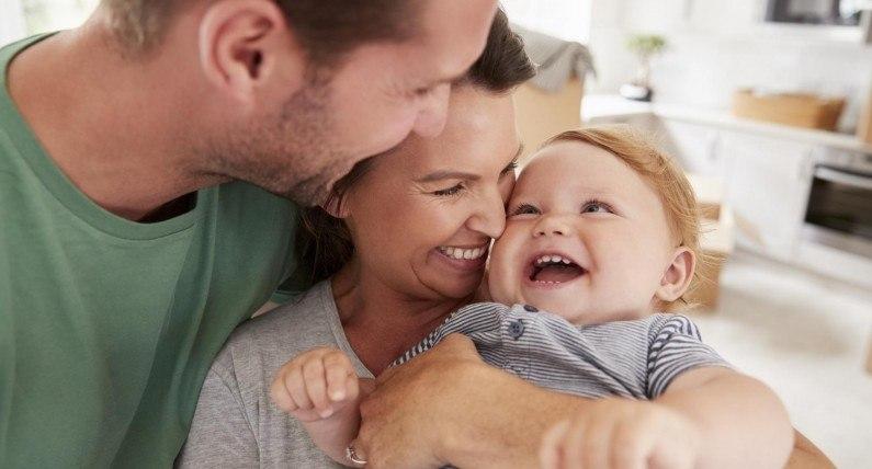 Pomoc rodzinie mimo odległości – o zasiłkach na dzieci