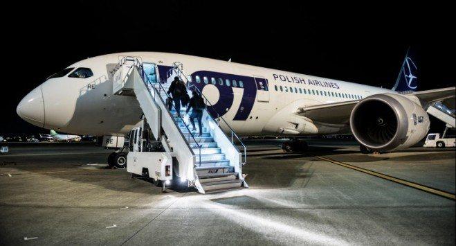 Polacy korzystają z lotów czarterowych. Wciąż można wrócić do kraju ze Skandynawii