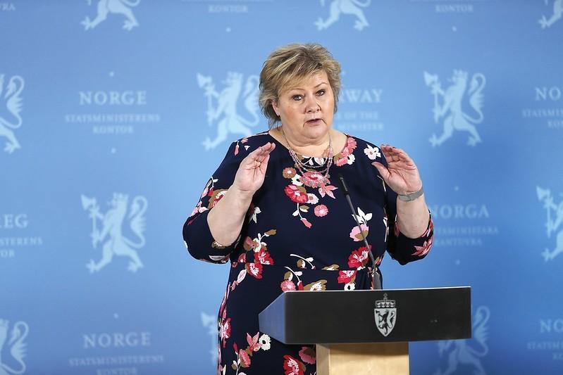 Norweski rząd ogłosił plan otwarcia Norwegii. Pierwsze zmiany weszły w życie 16 kwietnia.