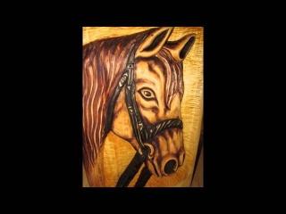 Konie rzeźbione  z drewna horses
