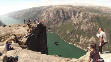 Fresh Catch _16 Girls BASE Jump, World Record in Norway | Robertalicious, Ep. 3'