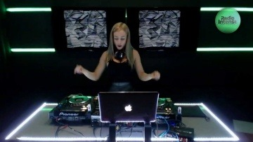 This is how DJ Amely does it! Live set for Radio Intense
