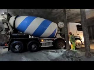 TimeLapse Delivering almost 1000m3 concrete, Oslo, Follobanen project
