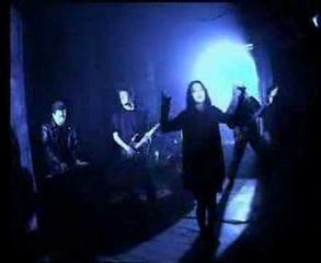 Closterkeller - Na krawędzi (Somewhere In Between)
