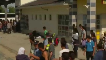 Refugees cause chaos in Croatia