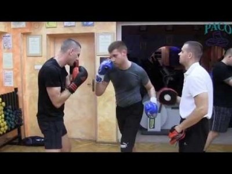 Trening pięściarski w KS Paco przy ul. Kiepury 5 B (lipiec 2014)